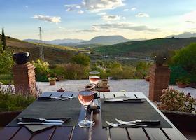 Luxurious Dining Facilities